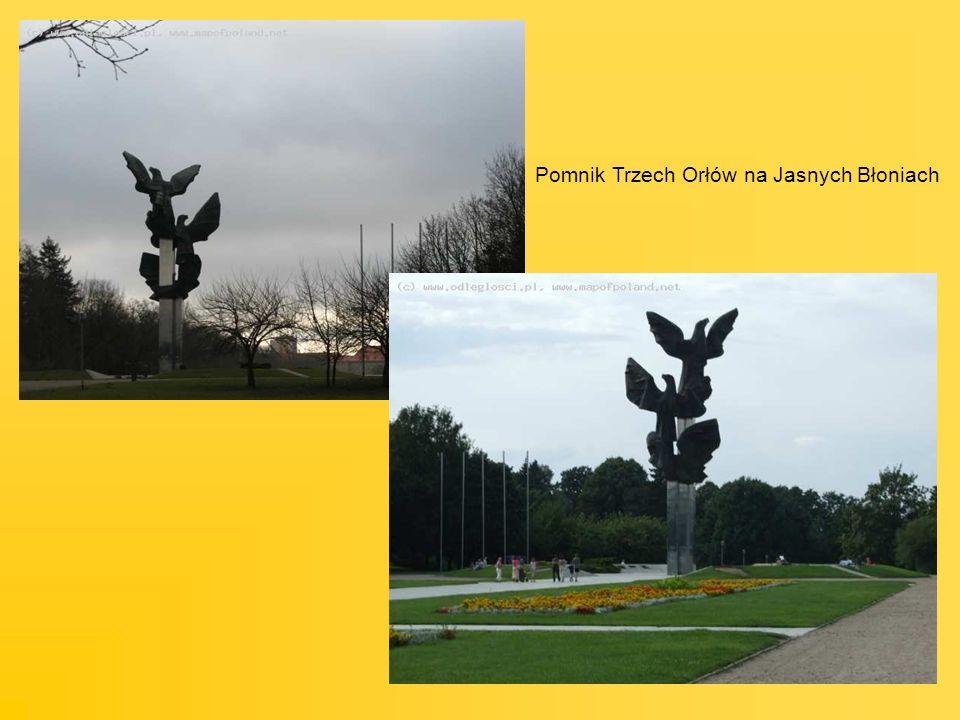 Pomnik Trzech Orłów na Jasnych Błoniach