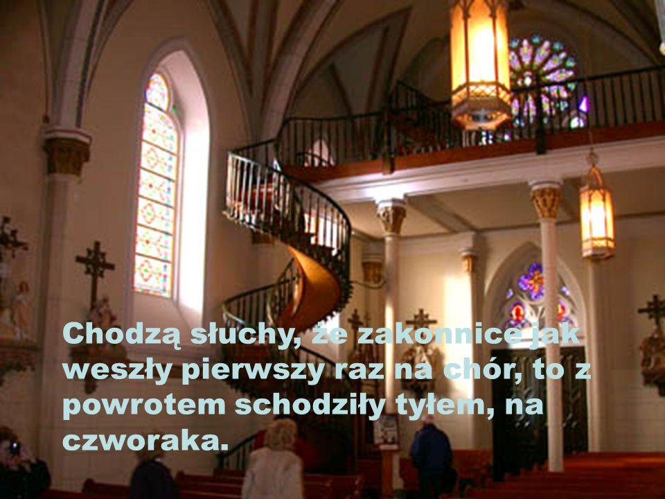 ...wysłany przez Jezusa, żeby zajął się problemem zakonnic. Od tego czasu schody są nazywane cudownymi i są obiektem wielu pielgrzymek.