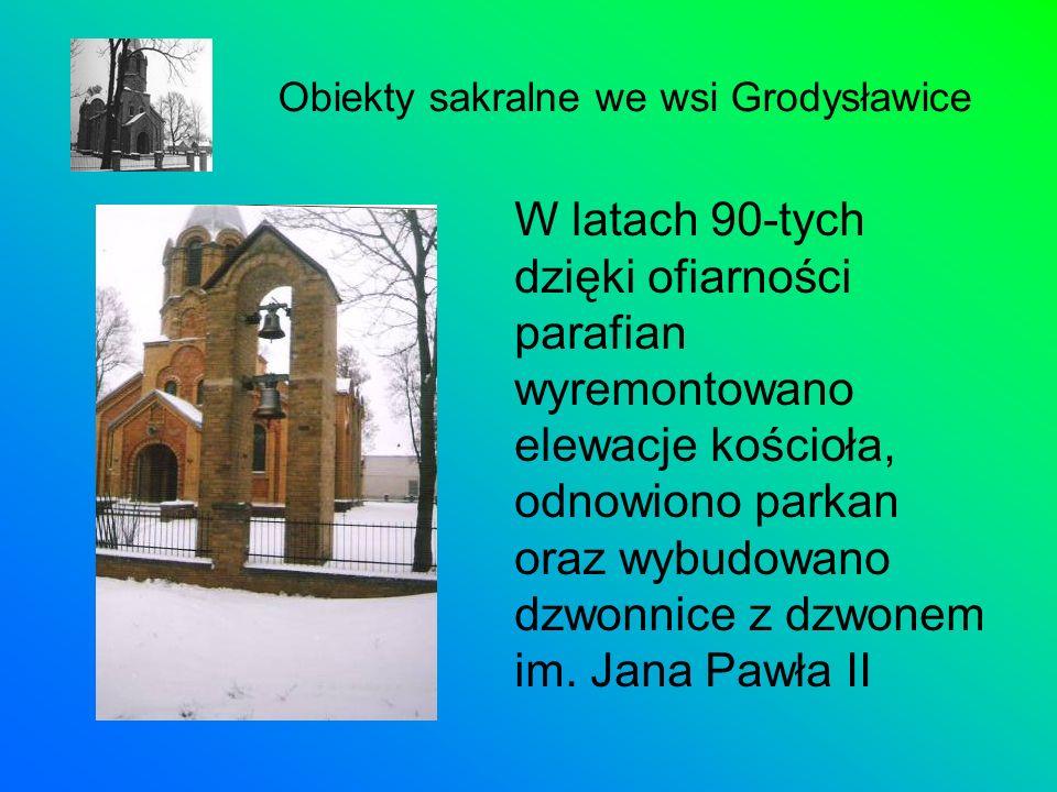 W latach 90-tych dzięki ofiarności parafian wyremontowano elewacje kościoła, odnowiono parkan oraz wybudowano dzwonnice z dzwonem im. Jana Pawła II Ob