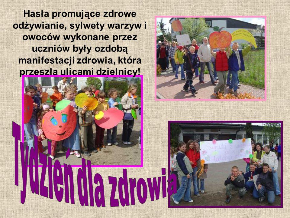 Hasła promujące zdrowe odżywianie, sylwety warzyw i owoców wykonane przez uczniów były ozdobą manifestacji zdrowia, która przeszła ulicami dzielnicy!