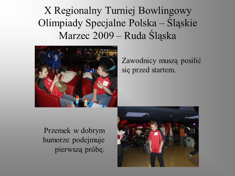 X Regionalny Turniej Bowlingowy Olimpiady Specjalne Polska – Śląskie Marzec 2009 – Ruda Śląska Zawodnicy muszą posilić się przed startem.
