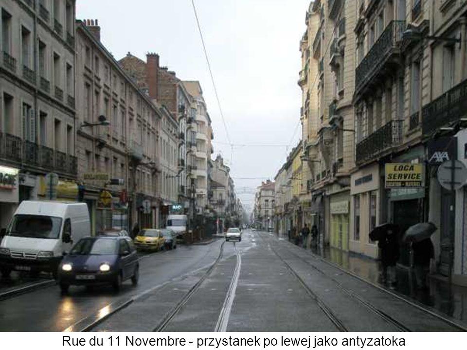 Rue du 11 Novembre - przystanek po lewej jako antyzatoka
