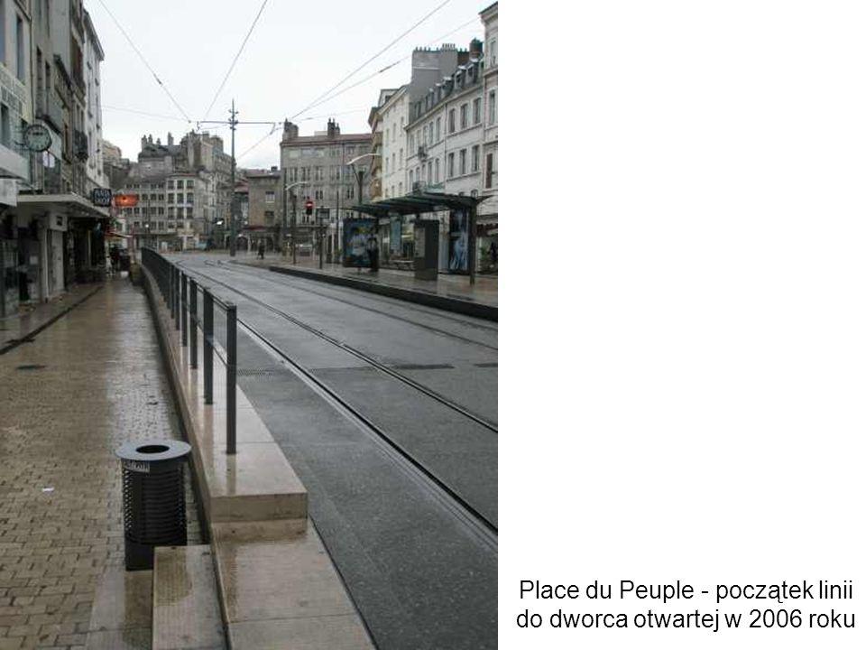 Place du Peuple - początek linii do dworca otwartej w 2006 roku