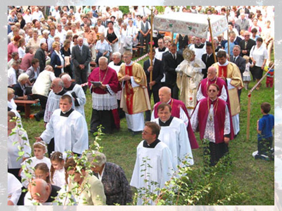 Zwróćcie uwagę na rodzinę W niedzielę 29 sierpnia w Lutogniewie odbyły się uroczystości w V rocznicę koronacji łaskami słynącego obrazu Matki Bożej Pocieszenia.