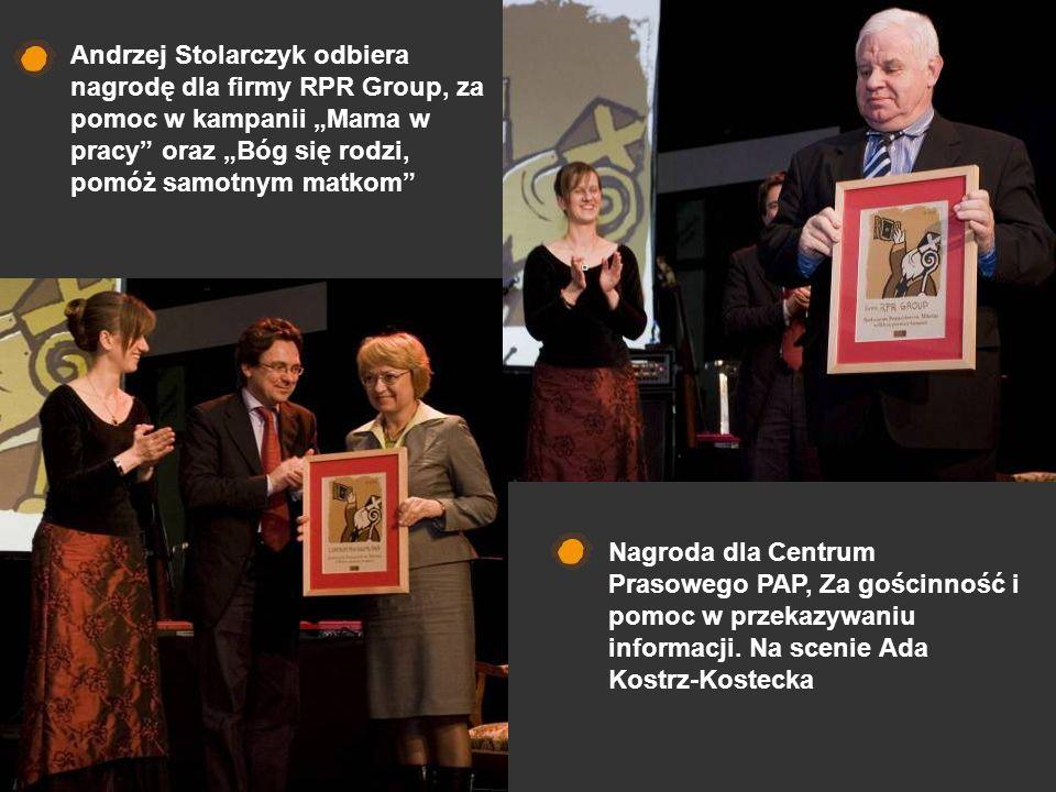 Nagroda dla Centrum Prasowego PAP, Za gościnność i pomoc w przekazywaniu informacji. Na scenie Ada Kostrz-Kostecka Andrzej Stolarczyk odbiera nagrodę