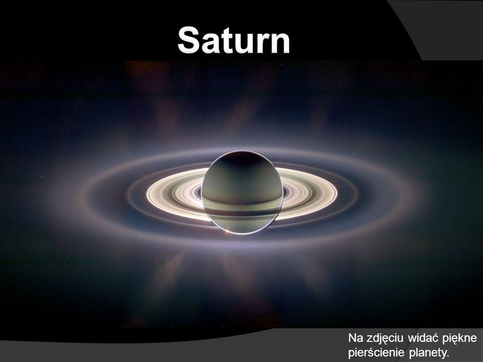 Na zdjęciu widać piękne pierścienie planety.