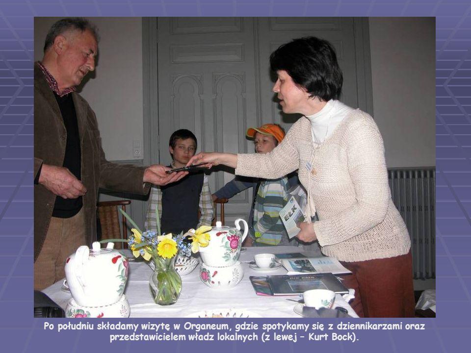 Po południu składamy wizytę w Organeum, gdzie spotykamy się z dziennikarzami oraz przedstawicielem władz lokalnych (z lewej – Kurt Bock).