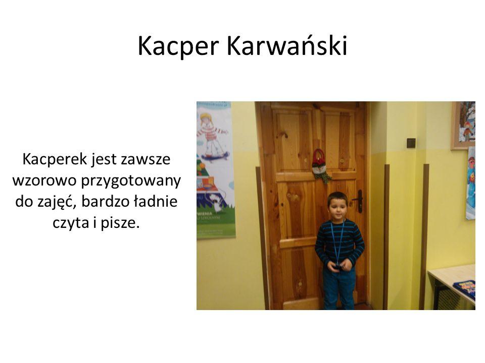 Maksymilian Królikiewicz Maksio pięknie śpiewa i gra na instrumentach klawiszowych.