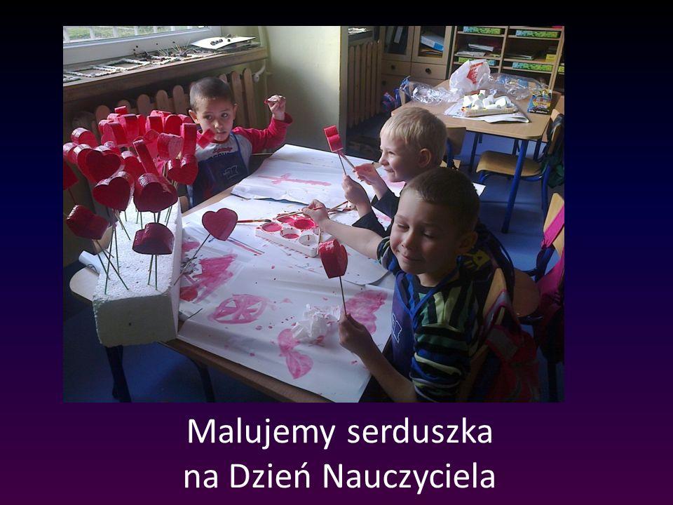 Malujemy serduszka na Dzień Nauczyciela