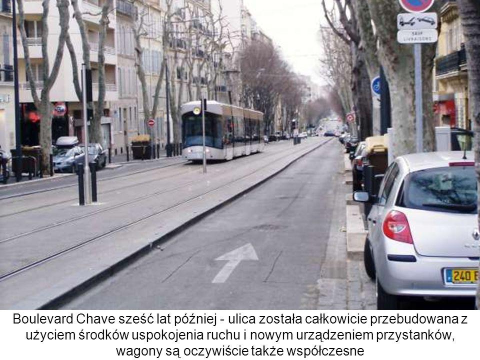 Boulevard Chave sześć lat później - ulica została całkowicie przebudowana z użyciem środków uspokojenia ruchu i nowym urządzeniem przystanków, wagony