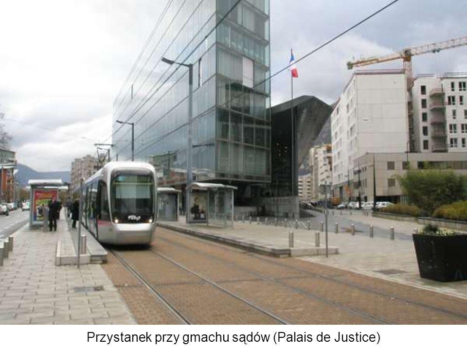 Przystanek przy gmachu sądów (Palais de Justice)