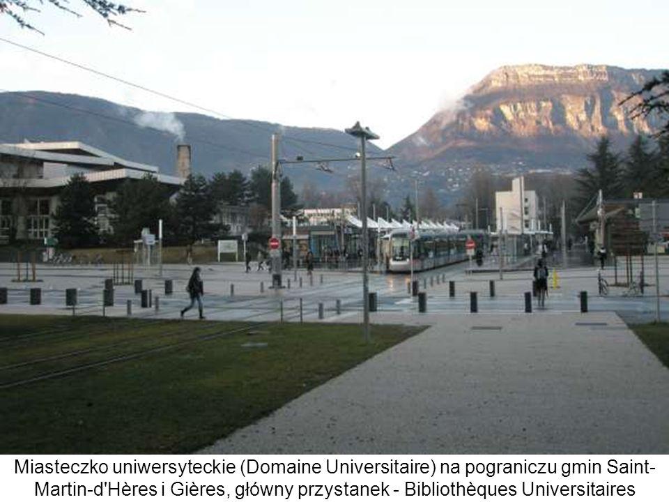 Miasteczko uniwersyteckie (Domaine Universitaire) na pograniczu gmin Saint- Martin-d'Hères i Gières, główny przystanek - Bibliothèques Universitaires