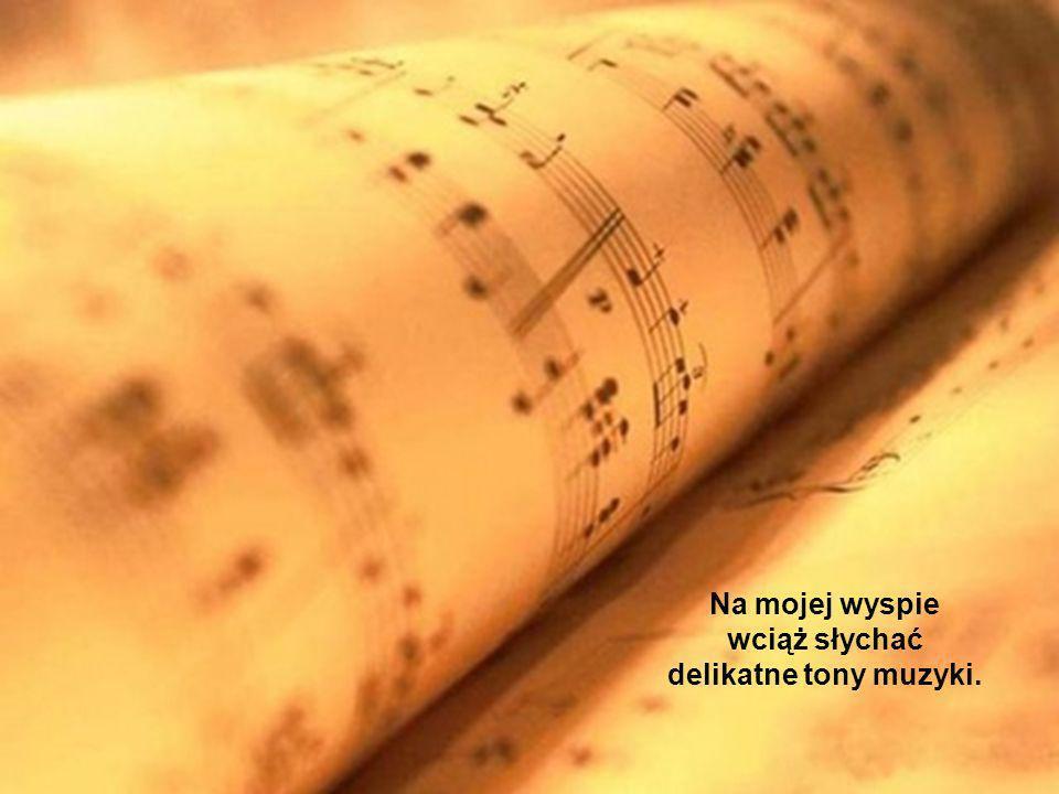 lecz śpiewa głośniej i piękniej swoją pieśń.