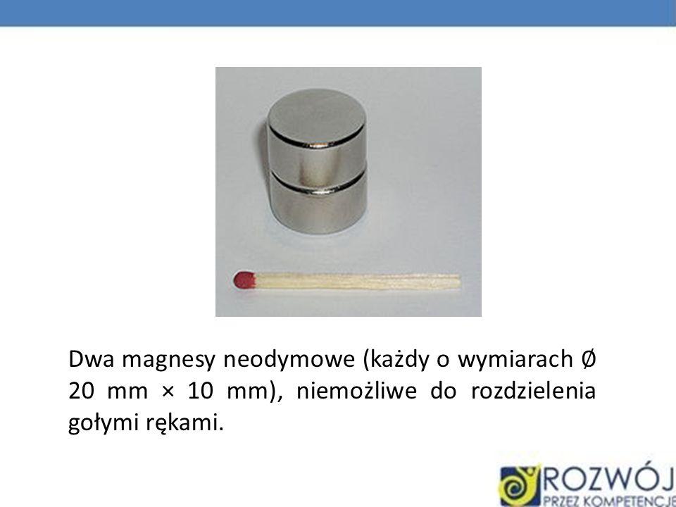 Dwa magnesy neodymowe (każdy o wymiarach 20 mm × 10 mm), niemożliwe do rozdzielenia gołymi rękami.