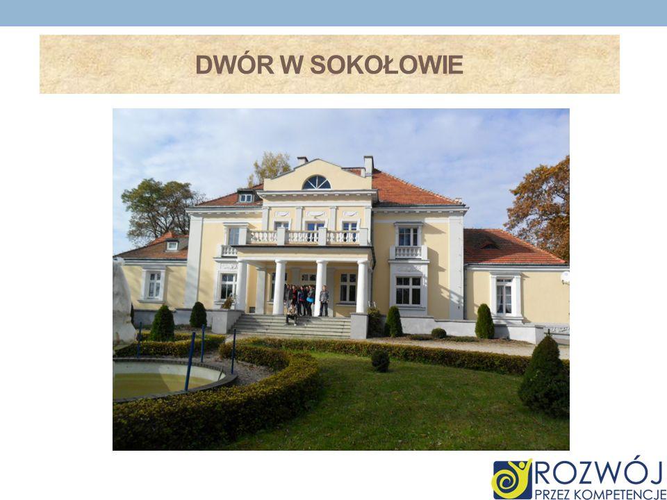 ZABYTKOWE KOŚCIOŁY W NASZEJ OKOLICY W naszej gminie znajdują się trzy piękne kościoły: Pośrodku wsi Dulsk otoczony starymi drzewami stoi drewniany kościół.