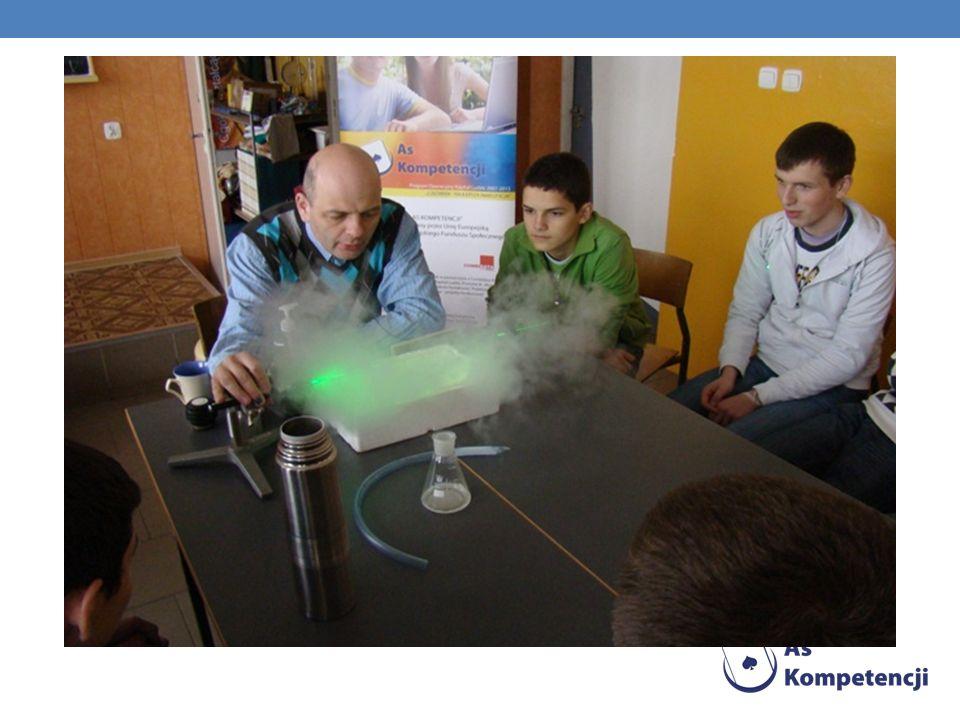 ZWIERCIADŁA PŁASKIE I KULISTE 20-05-2010 Swoją prezentację przedstawiali Jarek Paluch i Tomasz Jakubiak.
