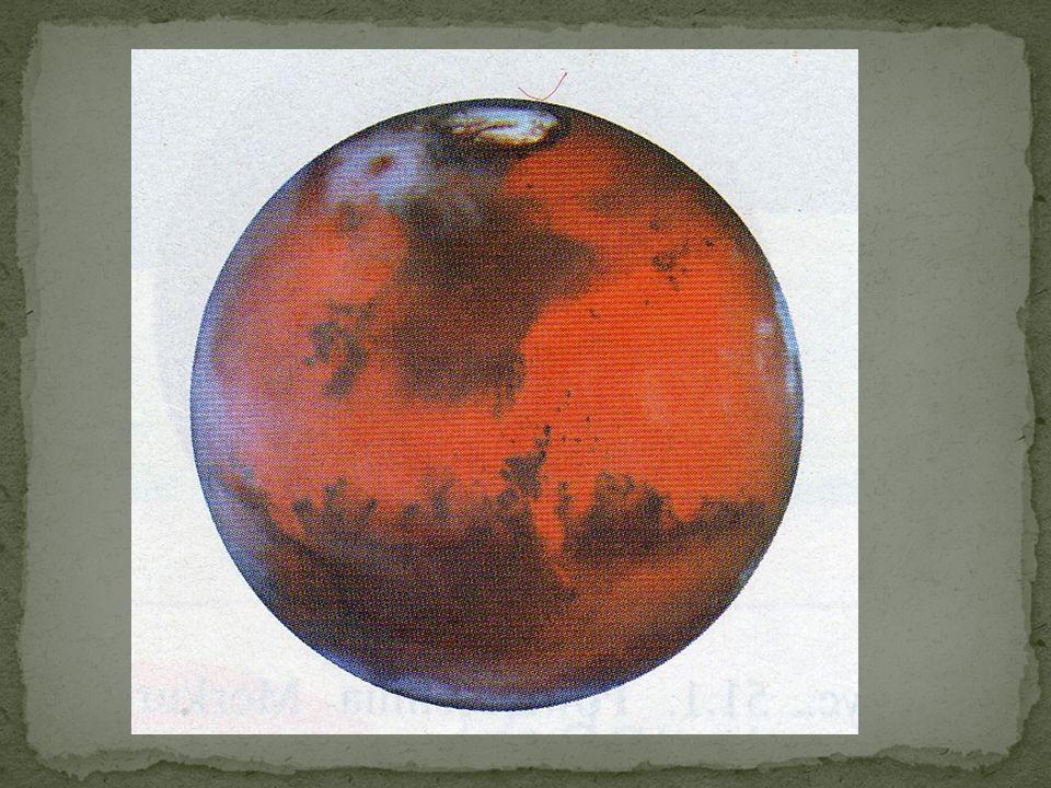 Mars obserwowany z Ziemi ma czerwoną barwę. Jest to kolor pyłu i skał, które pokrywają jego powierzchnie analiza powierzchni Marsa wykazała że czerwon