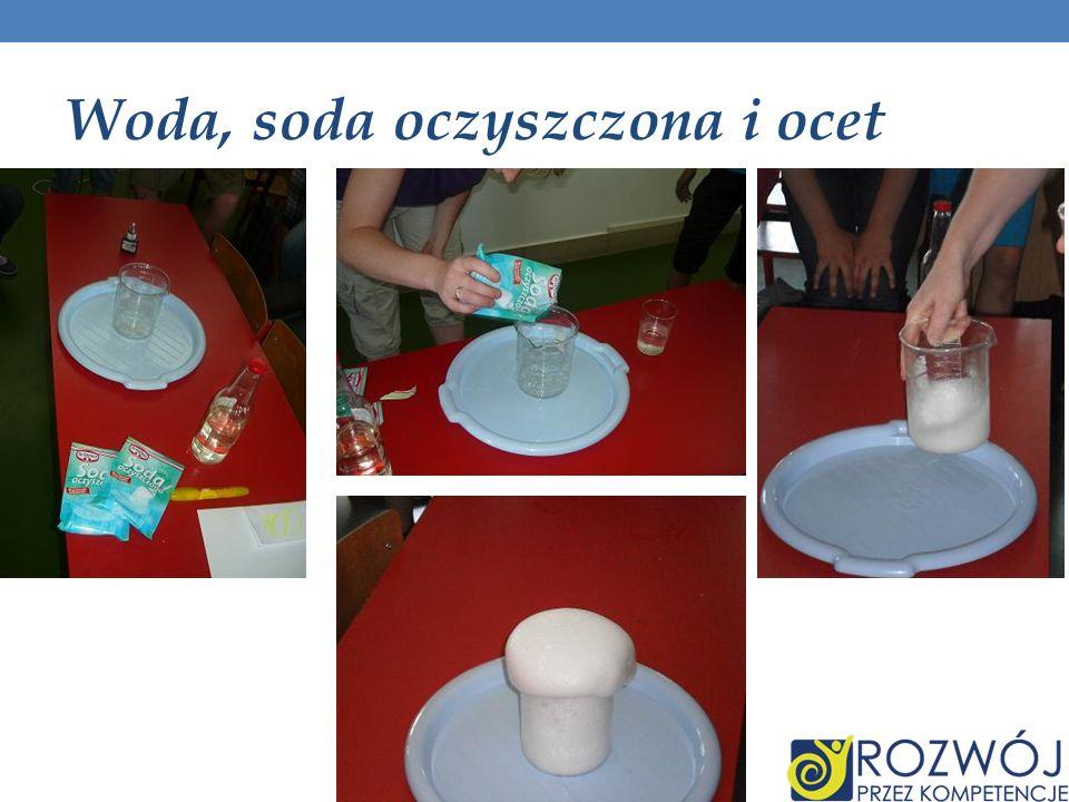 Woda, soda oczyszczona i ocet
