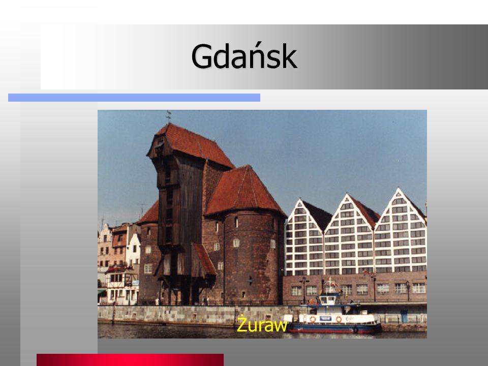 Gdańsk jest miastem o tysiącletniej tradycji, urzekającym pięknem zabytków przywróconych do życia ze zniszczeń wojennych. To także wielki port na Bałt