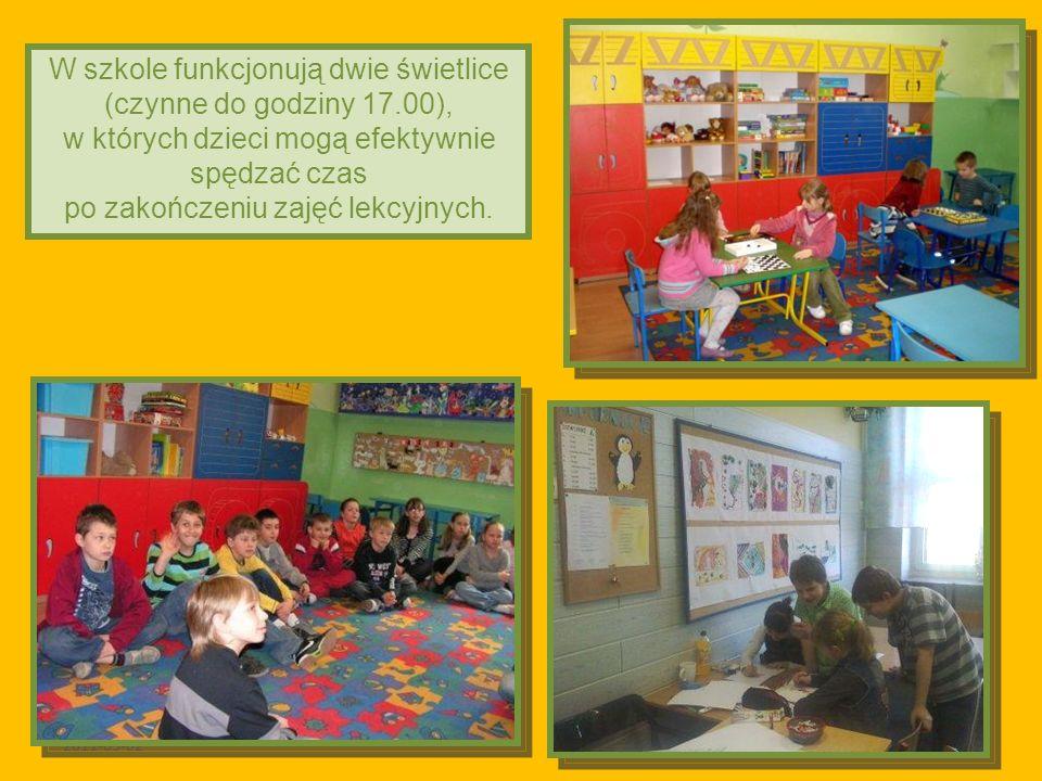 2011-03-02 W szkole funkcjonują dwie świetlice (czynne do godziny 17.00), w których dzieci mogą efektywnie spędzać czas po zakończeniu zajęć lekcyjnych.