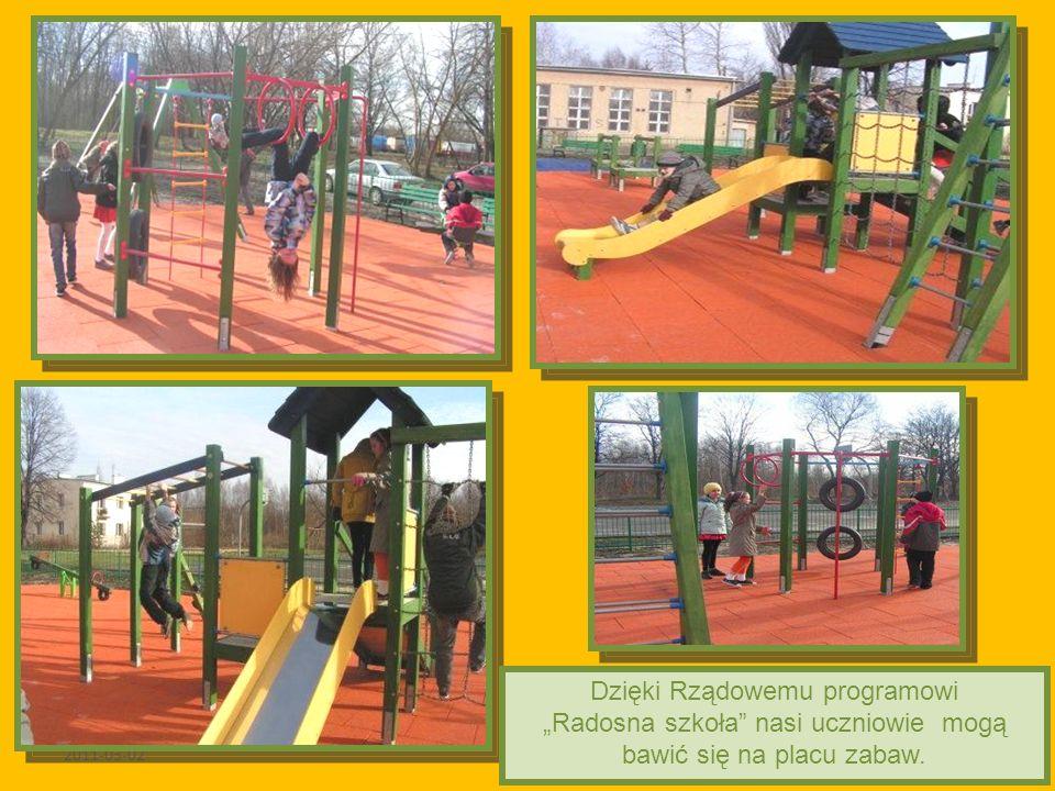 2011-03-02 Dzięki Rządowemu programowi Radosna szkoła nasi uczniowie mogą bawić się na placu zabaw.