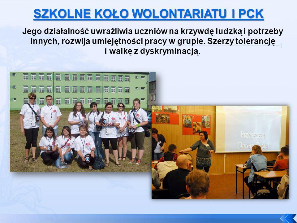 Jego działalność uwrażliwia uczniów na krzywdę ludzką i potrzeby innych, rozwija umiejętności pracy w grupie.