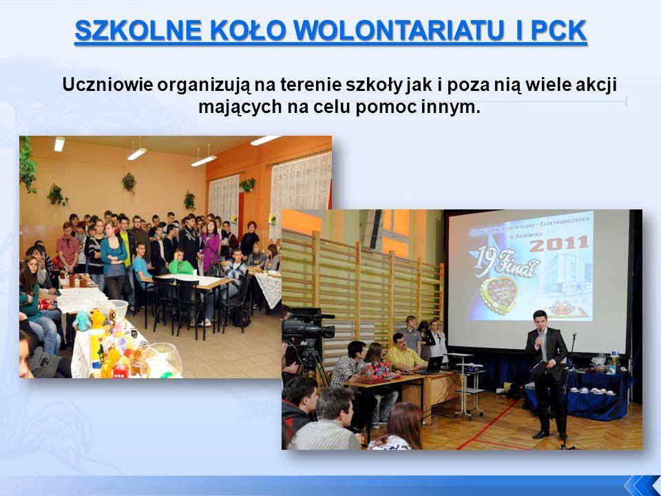 Uczniowie organizują na terenie szkoły jak i poza nią wiele akcji mających na celu pomoc innym.