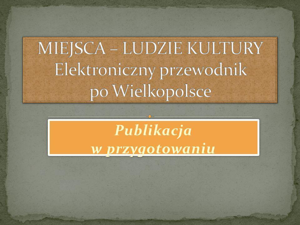 Gdy Kazimiera Iłłakowiczówna miała 60 lat w wynajmowanym przez nią mieszkaniu zamieszkiwało 30 osób.