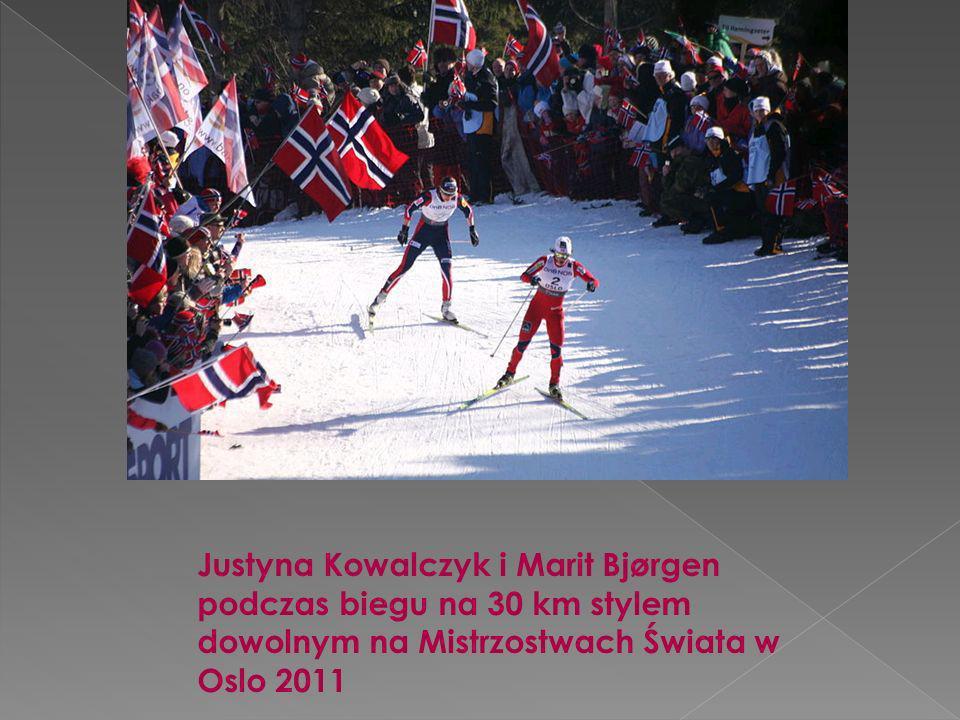 Justyna Kowalczyk i Marit Bjørgen podczas biegu na 30 km stylem dowolnym na Mistrzostwach Świata w Oslo 2011
