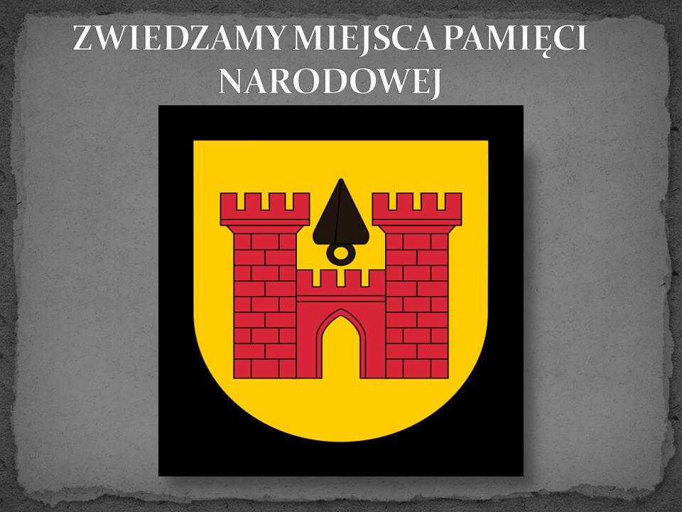 Przy gmachu Urzędu Miasta i Gminy Olkusz w 2007 roku postawiono popiersie Marszałka Józefa Piłsudskiego, które jest współczesna wersja monumentu z 1936roku, zniszczonego w 1940 roku przez niemieckich okupantów.