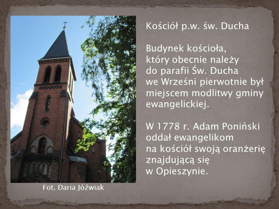 Kościół p.w. św. Ducha Budynek kościoła, który obecnie należy do parafii Św.