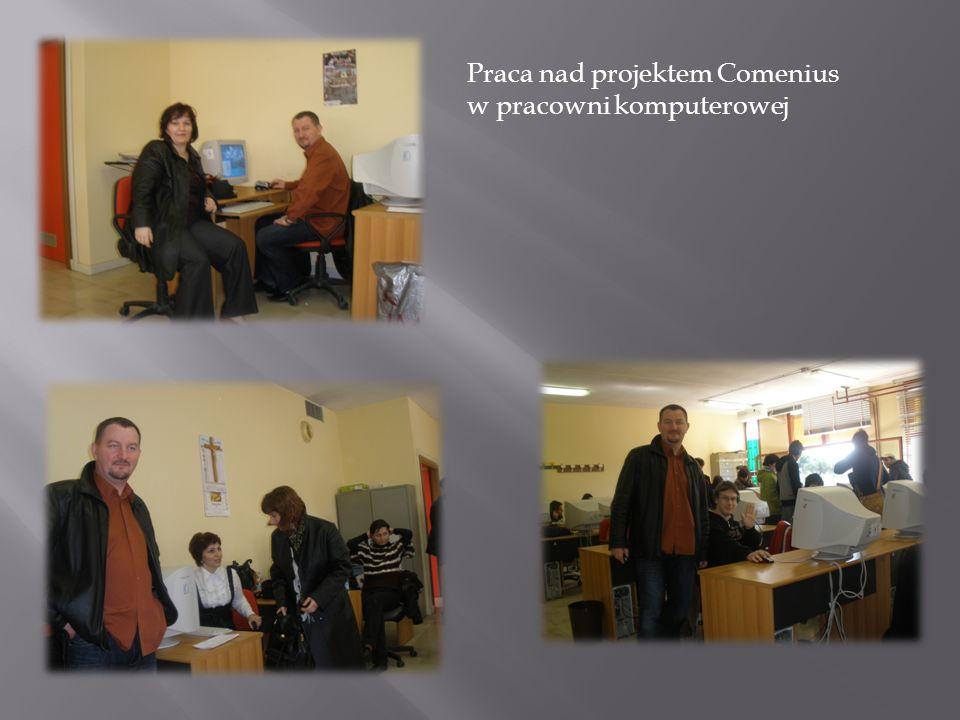 Praca nad projektem Comenius w pracowni komputerowej
