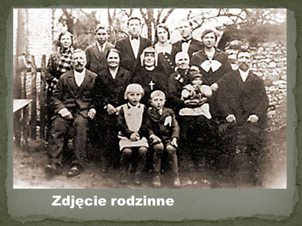 Zmar ł a w krakowskim klasztorze Zgromadzenia Sióstr Matki Bo ż ej Mi ł osierdzia 5 pa ź dziernika 1938 roku.