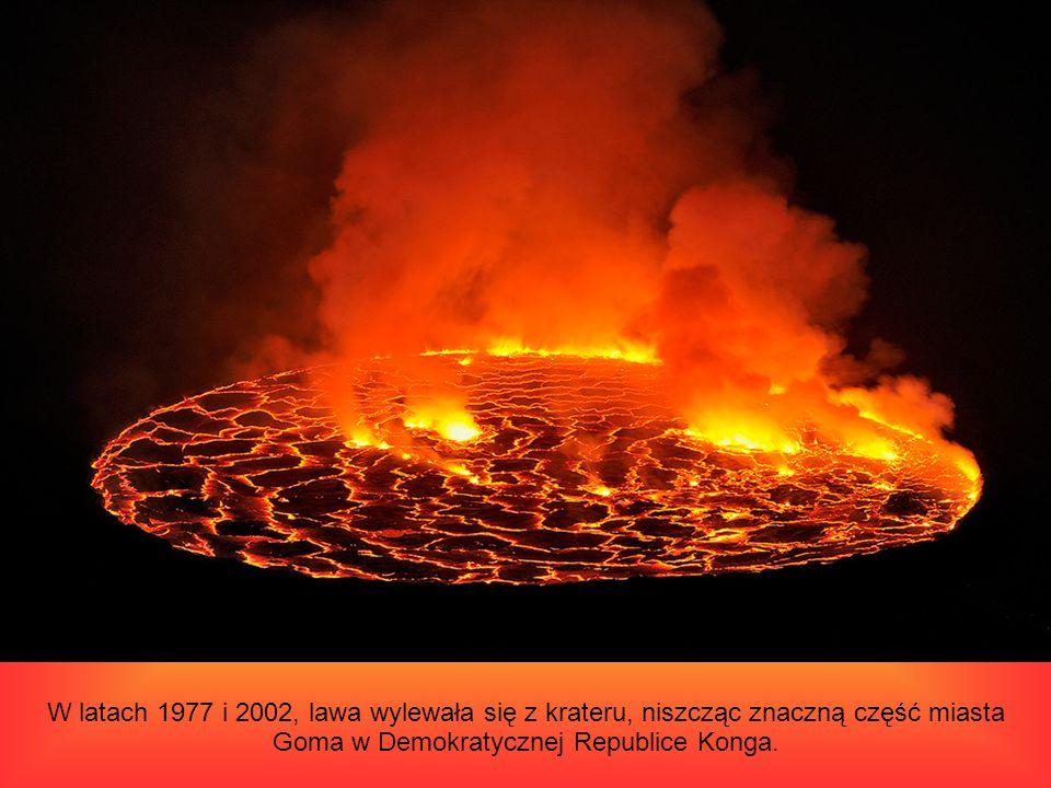 W latach 1977 i 2002, lawa wylewała się z krateru, niszcząc znaczną część miasta Goma w Demokratycznej Republice Konga.