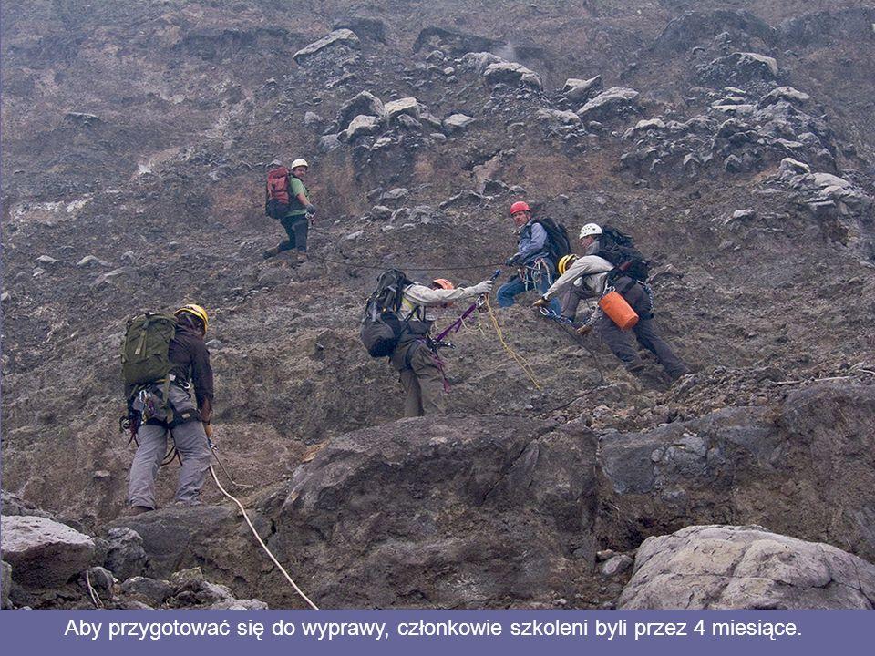 Aby przygotować się do wyprawy, członkowie szkoleni byli przez 4 miesiące.