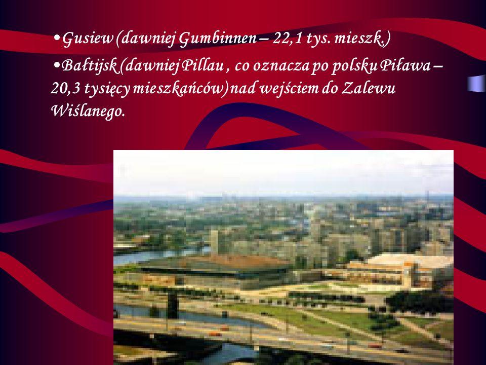 Oprócz Kaliningradu w obwodzie kaliningradzkim jest także wiele innych miast. Drugie co do wielkości jest miasto Sowieck,dawniej zwane Tilsit,liczące