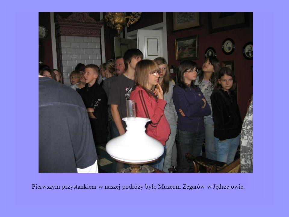 Pierwszym przystankiem w naszej podróży było Muzeum Zegarów w Jędrzejowie.
