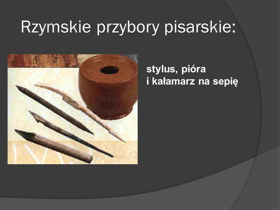 Rzymskie przybory pisarskie: stylus, pióra i kałamarz na sepię