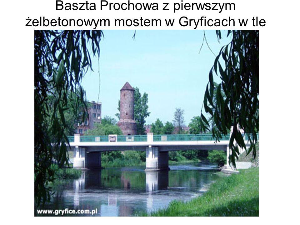 Baszta Prochowa z pierwszym żelbetonowym mostem w Gryficach w tle