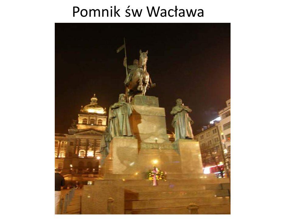 Plac Wacława Plac ten był świadkiem wielu ważnych wydarzeń najnowszej historii Czech. To właśnie tutaj w 1969 roku samospalenia dokonał student Jan Pa