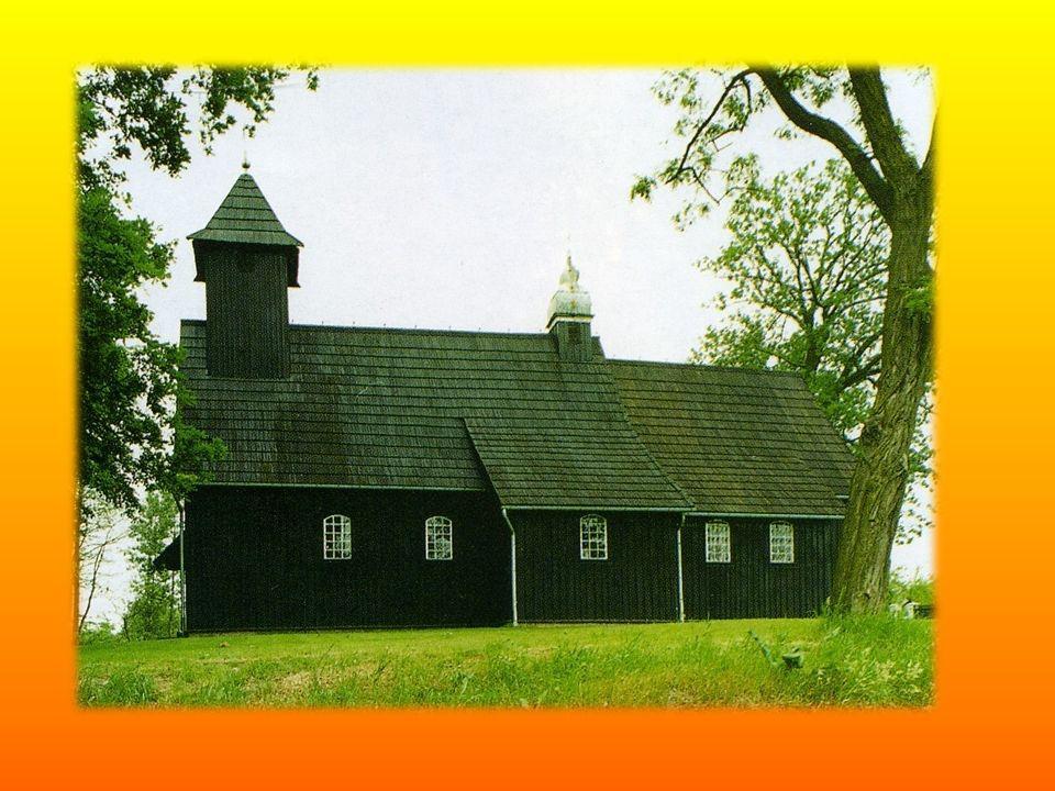 W ołtarzu bocznym według Katalogu zabytków sztuki w Polsce znajdowało się późnorenesansowe tabernakulum ze złoconym wyciskanym tłem z datą 1617r.