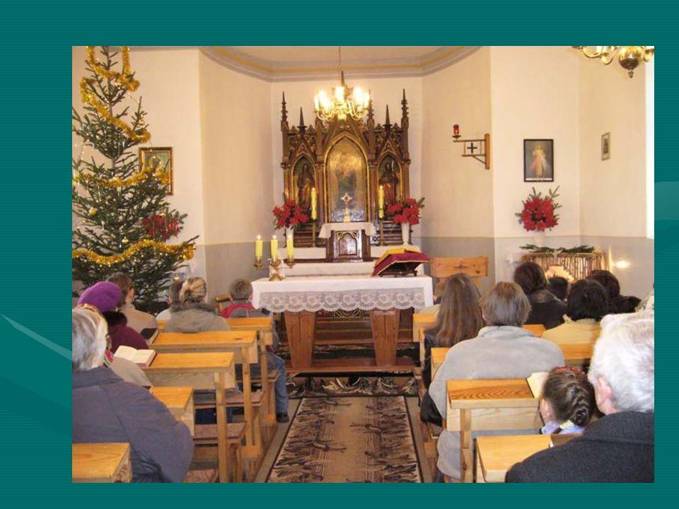 Wnętrze kościóła w Myszowicach Znajduje się w samym centrum wsi Myszowice.Znajduje się w samym centrum wsi Myszowice.