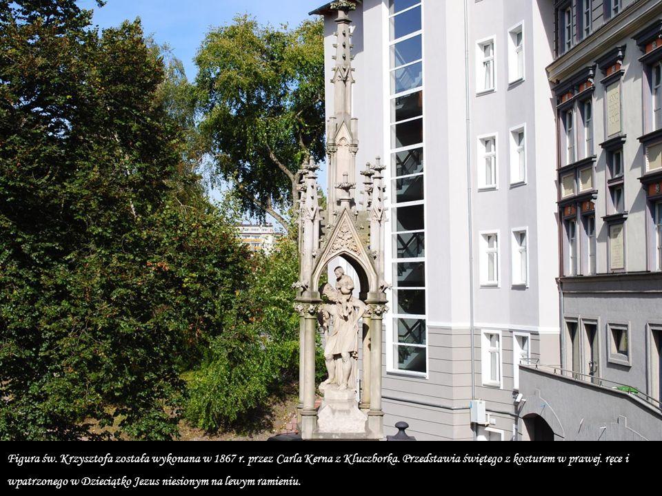 Figura św.Krzysztofa została wykonana w 1867 r. przez Carla Kerna z Kluczborka.