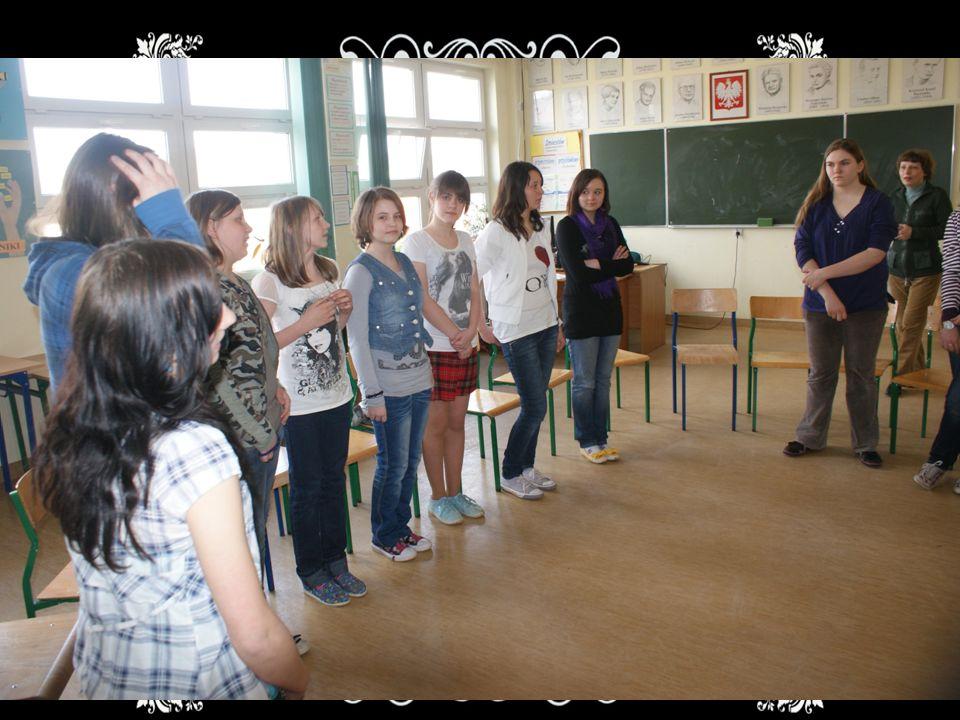 Śpiew Warsztaty mają na celu zainteresowanie dzieci muzyką, a przede wszystkim śpiewem.