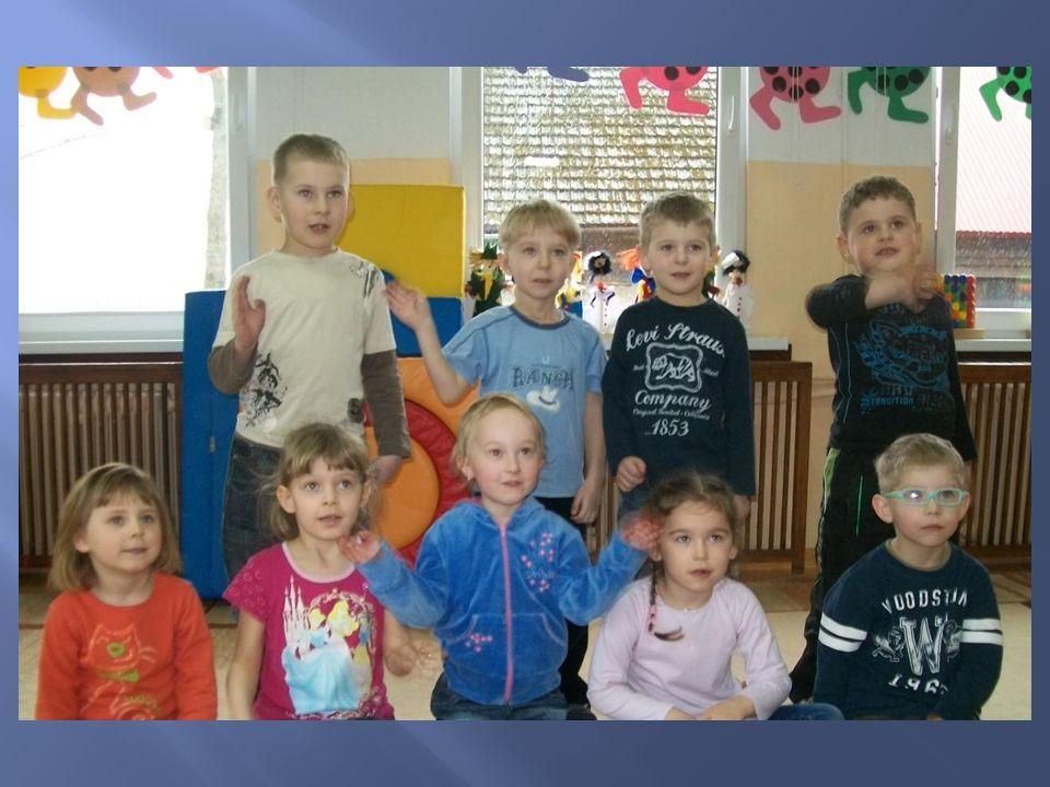 Zorganizowałyśmy czytanie książek w przedszkolu. Dzieciom bardzo spodobał się nasz pomysł.