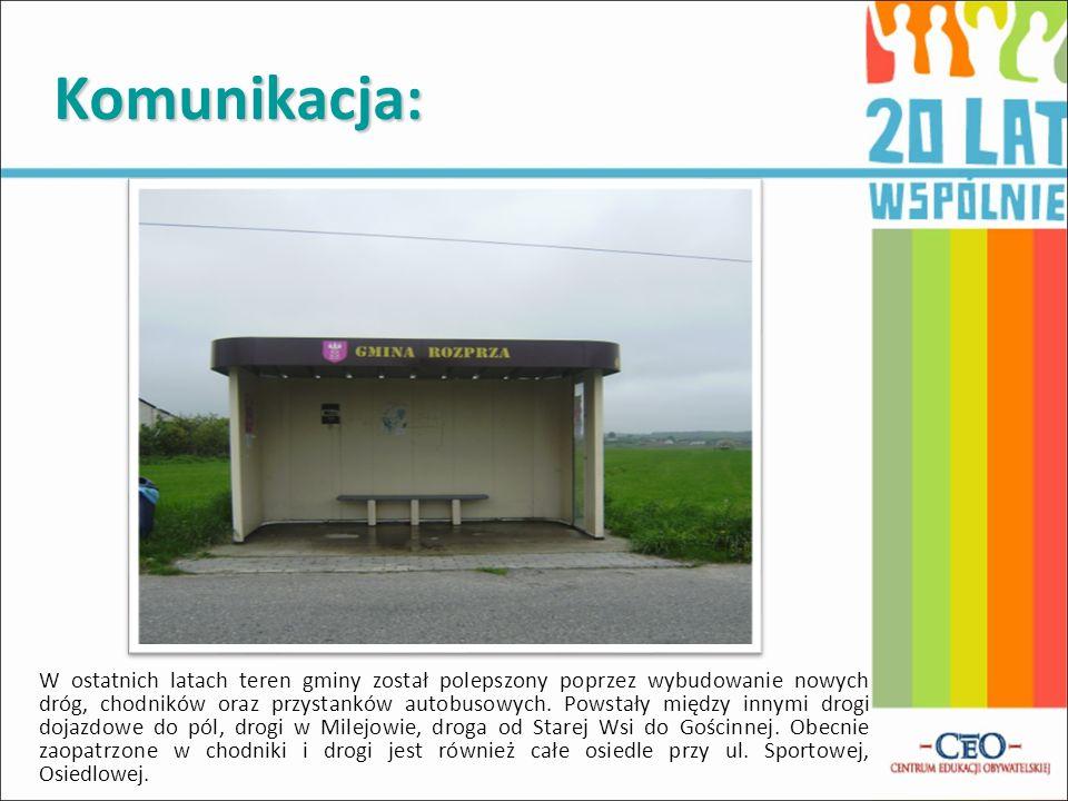 Komunikacja: W ostatnich latach teren gminy został polepszony poprzez wybudowanie nowych dróg, chodników oraz przystanków autobusowych. Powstały międz