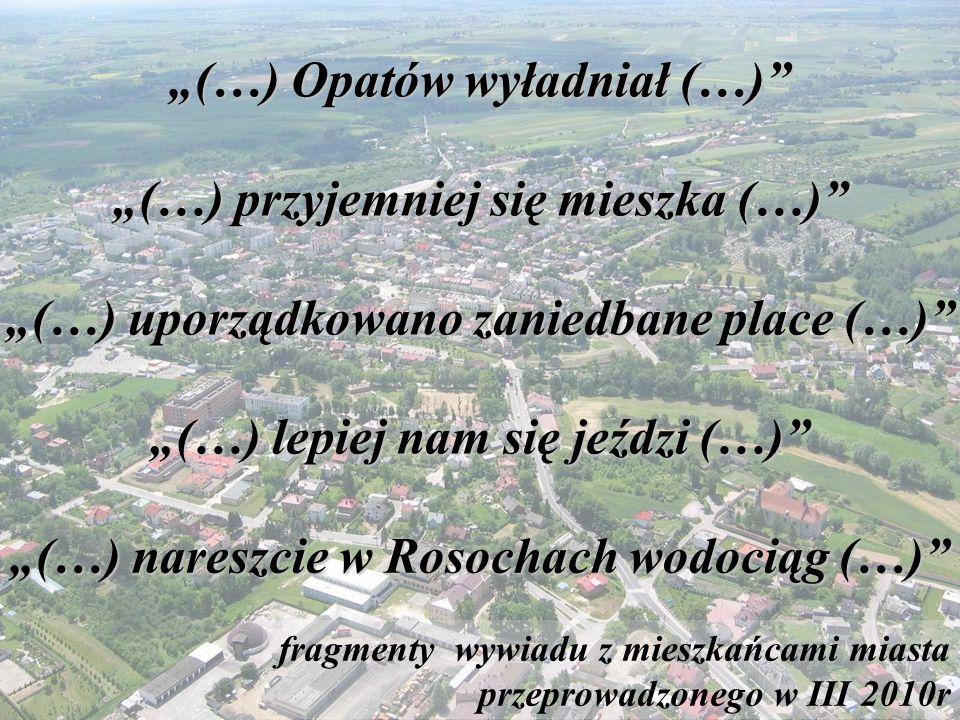 Rynek w Opatowie odnowiony w latach: 2004-2005 Podoba nam się odnowiony rynek, chociaż początkowo mieliśmy obawy jak będzie on wyglądał.
