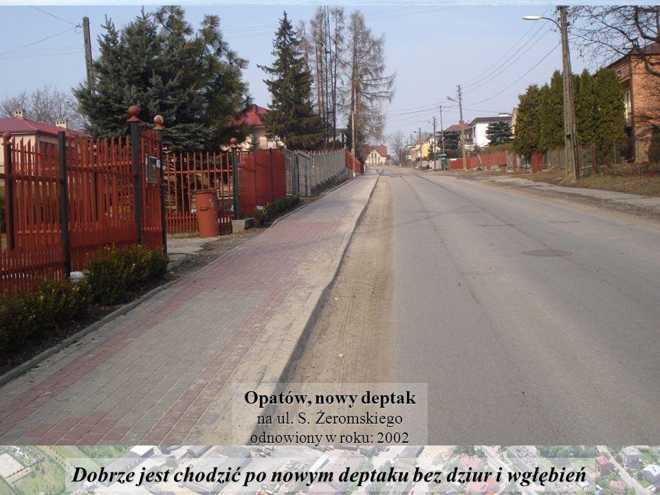 To bardzo ładne miejsce, jest to chyba najładniejszy skwer w Opatowie.