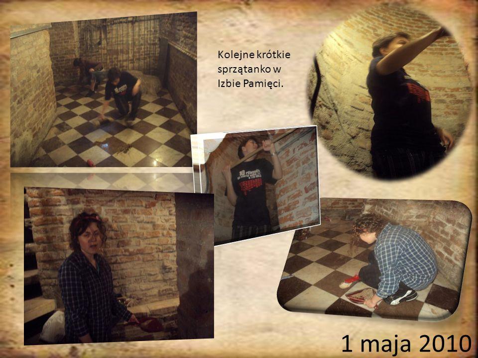 Kolejne krótkie sprzątanko w Izbie Pamięci. 1 maja 2010