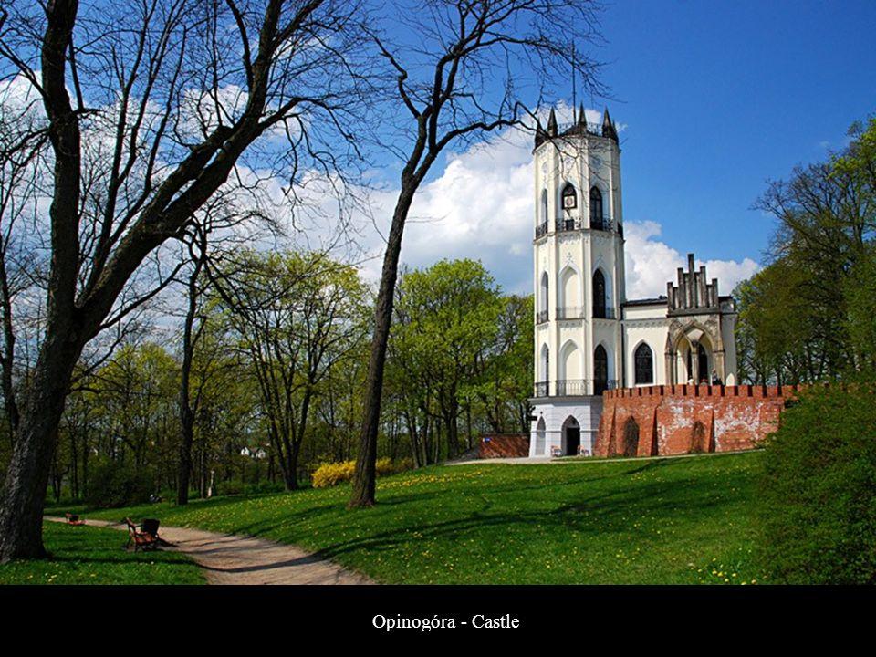 Nowy Dwór Mazowiecki - Obelisk commemorating the victims of World War II